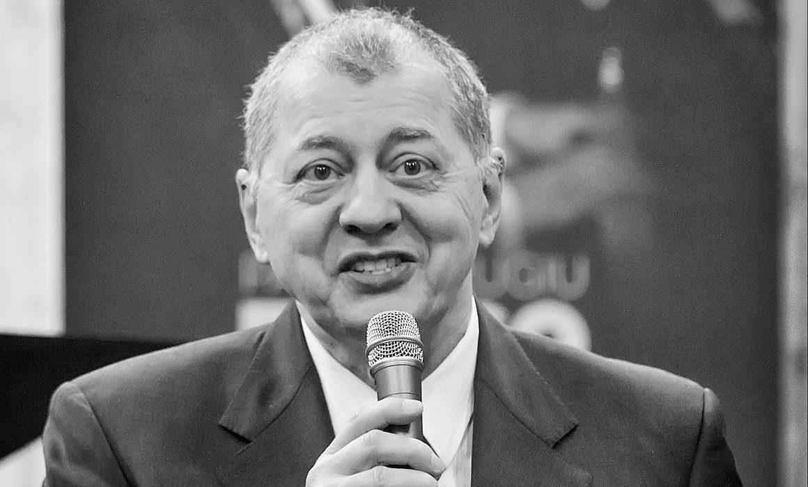 Prezentator – Octavian Ursulescu